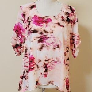 Jennifer Lopez blush floral blouse size small